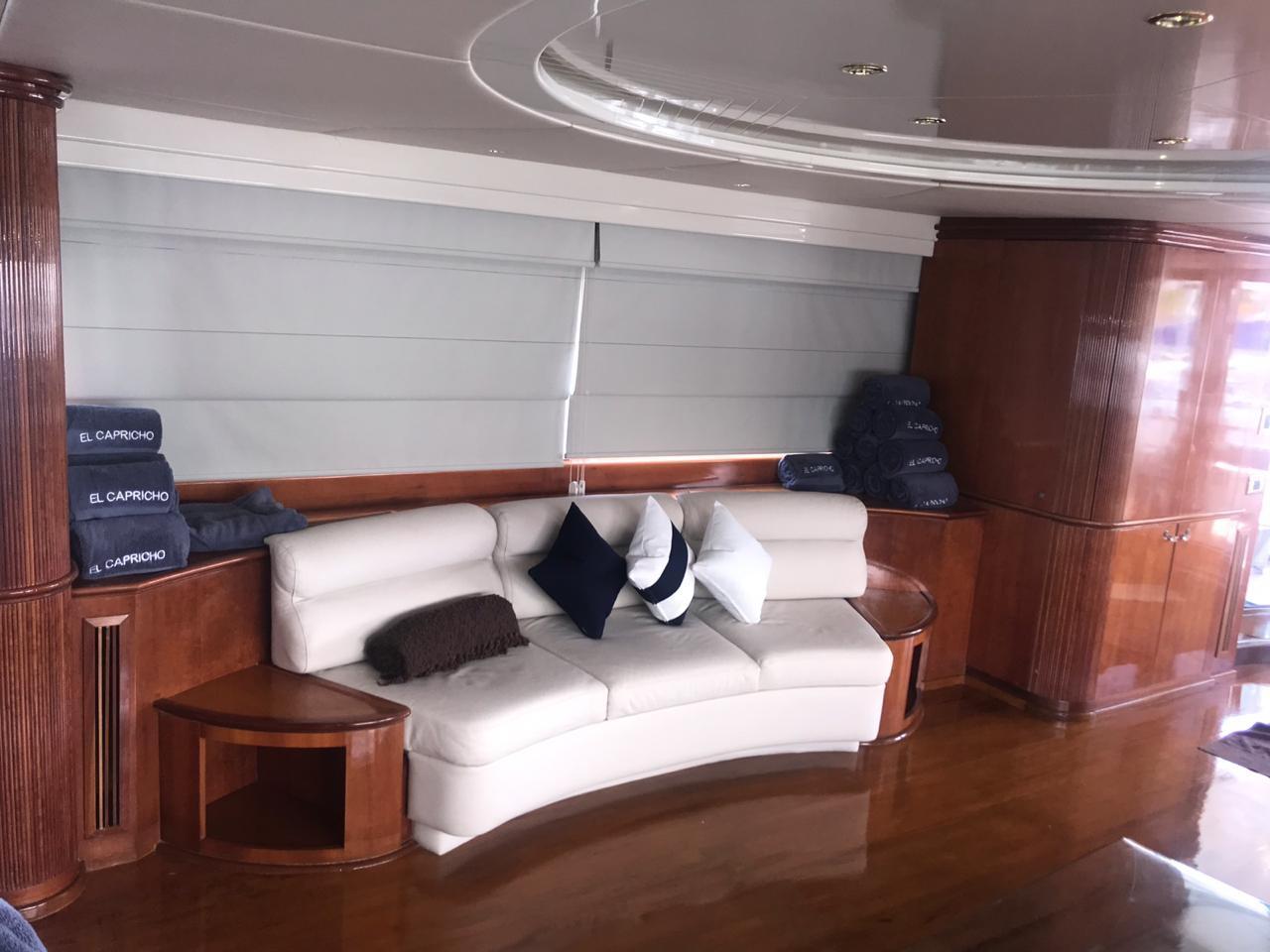 Azimut 100 yacht meeting