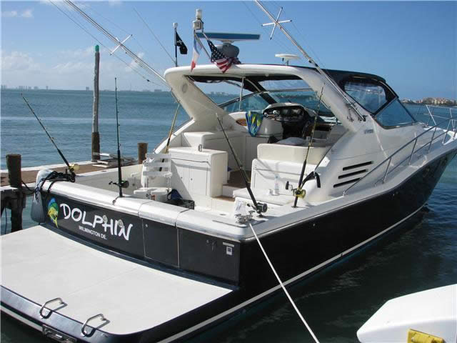 Dolphin Fishing Yacht Available For Rent At Cancun