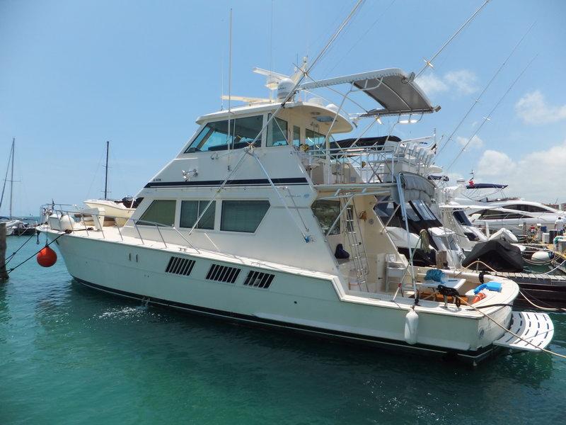 Hateras pro fishing boat cancun isla mujeres cozumel for Deep sea fishing belize