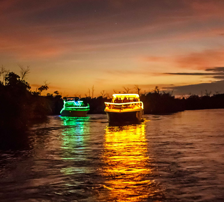cancun lagoo boat parade