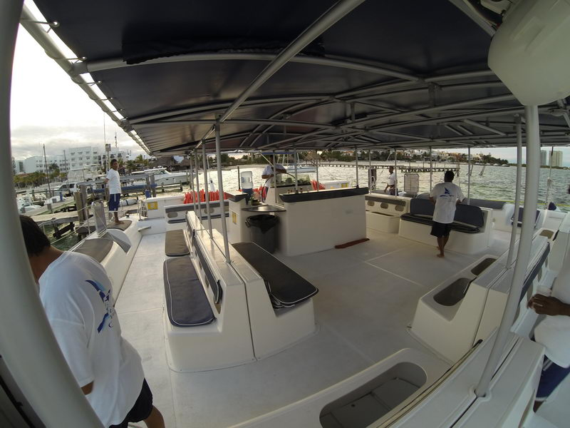 catamaran for privte party 100 people