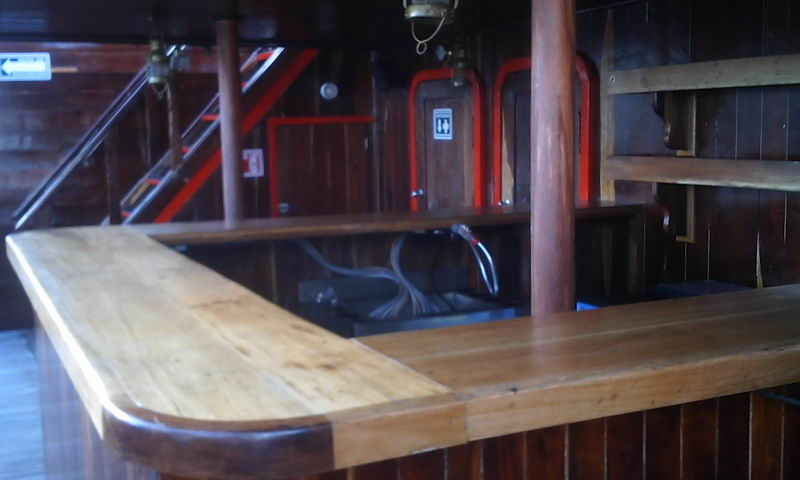 galeon bar area