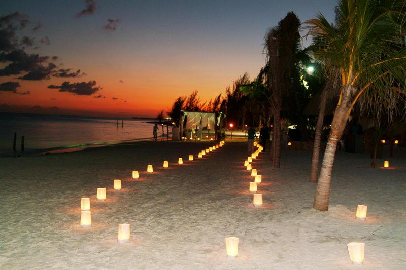 wedding at maroma beach catamaran sailing cocktail and sunset dinner