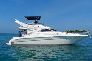 Rent a 40ft yacht Playa del Carmen