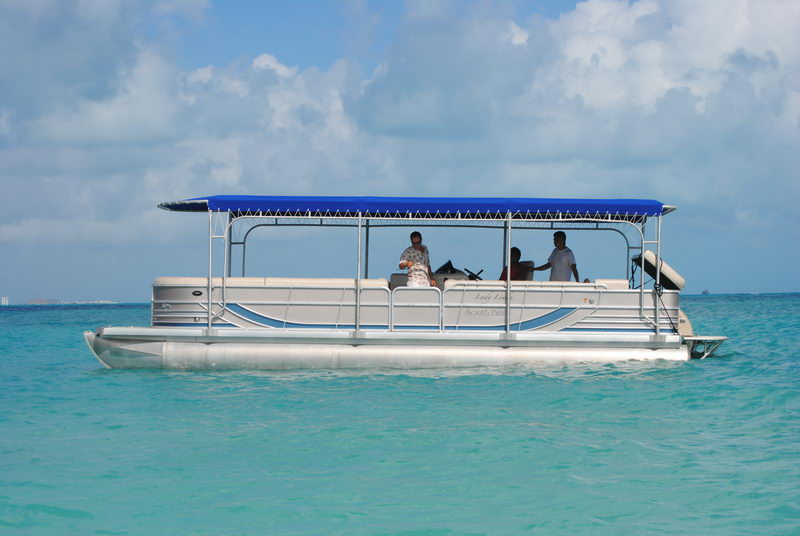 Party boat hotels cancun