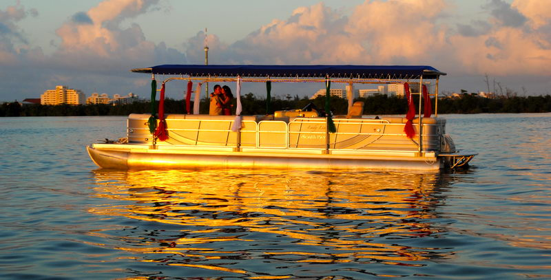 sunset lovers boat cancun