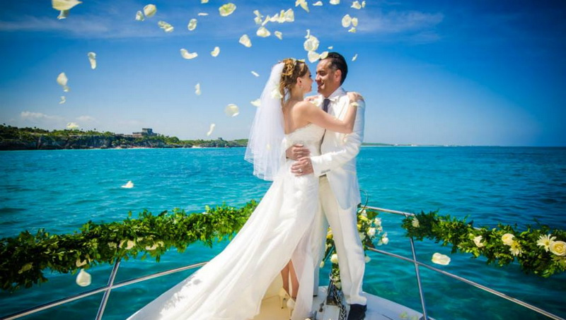 Wedding celebration on yacht
